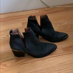 Jeffrey Campbell, like new, suede booties